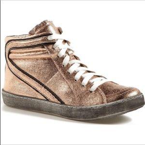 Matisse Alva High Top Sneaker.